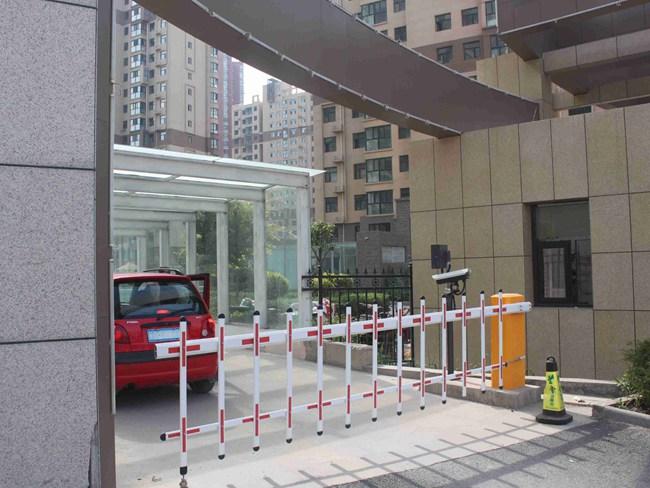 银河湾小区智慧停车场及小区亮化 (2)